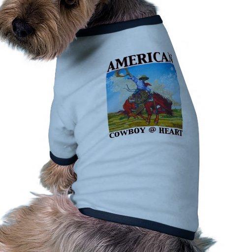 Corazón americano del vaquero @ por la bella arte  camiseta de perrito