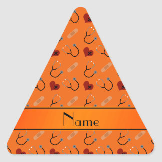 Corazón anaranjado conocido personalizado del pegatina triangular