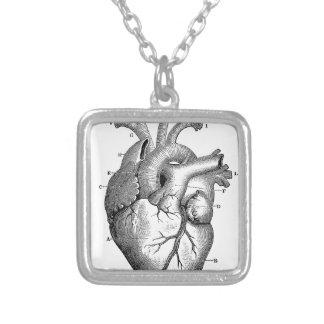 Corazón anatómico negro colgante personalizado