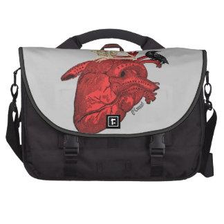 Corazón anatómico y esqueleto gótico bolsas para ordenador