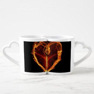 Corazón ardiente tazas amorosas