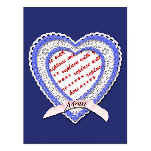 Corazón atado para el marco de la foto del día de tarjetas postales