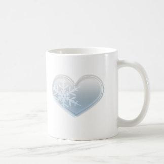 corazón azul del copo de nieve taza clásica