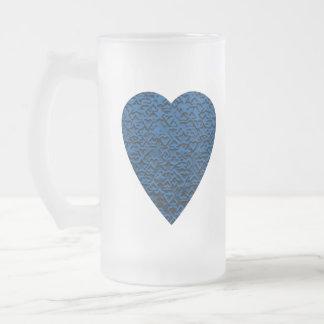 Corazón azul. Diseño modelado del corazón Taza De Cristal