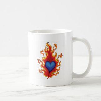 Corazón azul llameante #2 taza