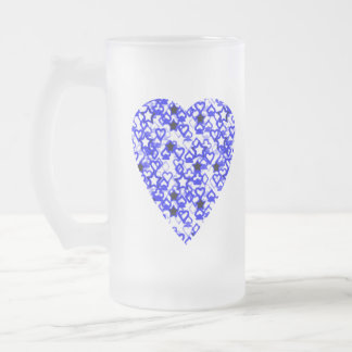 Corazón azul y blanco. Diseño modelado del corazón Taza De Cristal