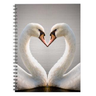 Corazón blanco del cisne libreta espiral