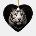 Corazón blanco del tigre adorno de cerámica en forma de corazón