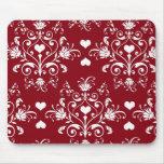 corazón blanco en el damasco romántico rojo del am tapetes de raton