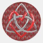 Corazón céltico de la trinidad pegatina redonda