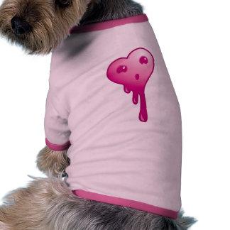 Corazón chocado camiseta con mangas para perro