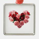 Corazón color de rosa y del clavel adorno cuadrado plateado
