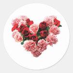 Corazón color de rosa y del clavel pegatina redonda