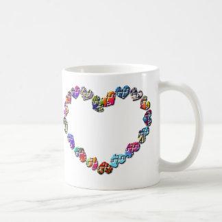 Corazón colorido del Puzzler Tazas De Café