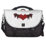 Corazón con alas del diablo bolsas de ordenador