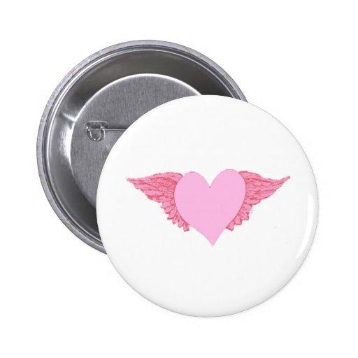 Corazón con alas pin redondo 5 cm
