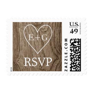 Corazón con iniciales en RSVP que se casa de Envio