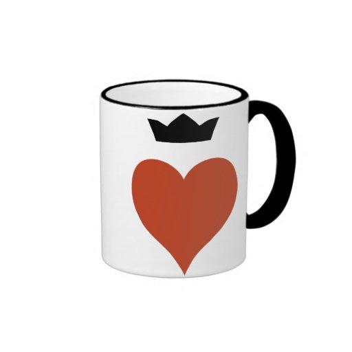 Corazón con la corona taza de café
