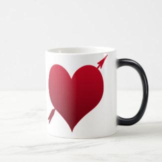 corazón con la taza morphing de la flecha