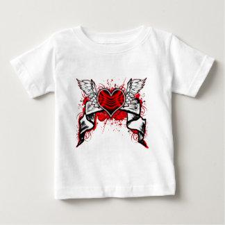 Corazón con las alas camisetas