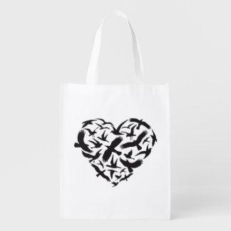 Corazón con los pájaros de vuelo bolsa para la compra