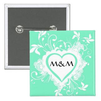 Corazón con monograma de la verde menta en colores pin cuadrado