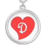 Corazón con monograma rojo Curvy Colgante Personalizado