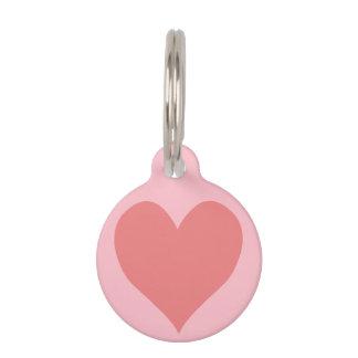 Corazón coralino rosado y ligero placas de mascota