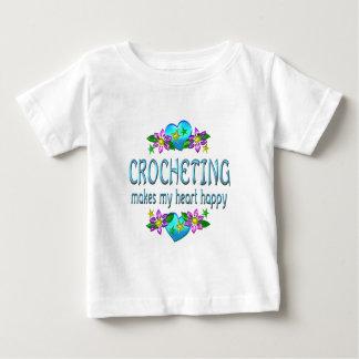 Corazón Crocheting feliz Playera