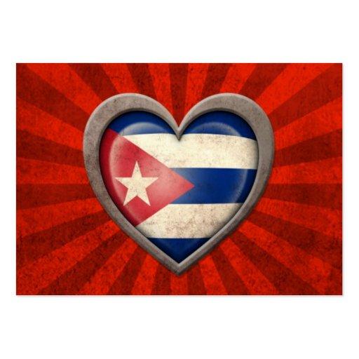 Corazón cubano envejecido de la bandera con los ra tarjetas personales