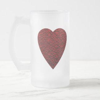 Corazón de color rojo oscuro. Diseño modelado del Taza De Cristal