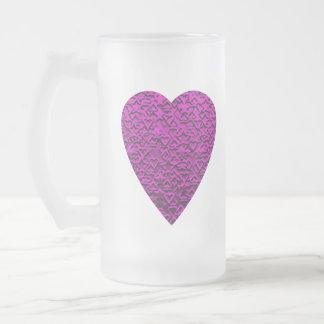 Corazón de color rosa oscuro. Diseño modelado del Taza De Cristal