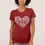 Corazón de cráneos camisetas
