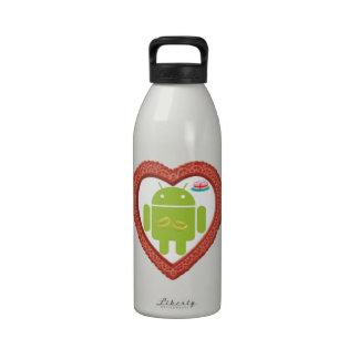 Corazón de Droid del insecto (amor) torta del rosa Botella De Agua Reutilizable