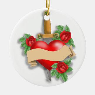 Corazón de encargo del tatuaje adorno navideño redondo de cerámica