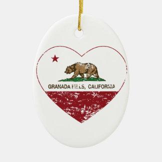corazón de Granada Hills de la bandera de Californ Adornos De Navidad
