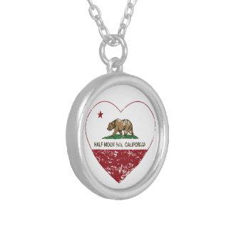 corazón de Half Moon Bay de la bandera de Californ Colgantes