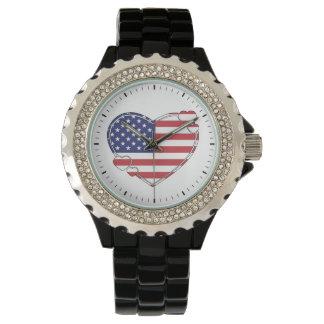 Corazón de la bandera americana reloj