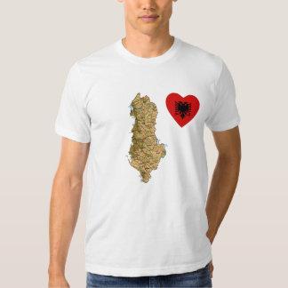 Corazón de la bandera de Albania y camiseta del Playera