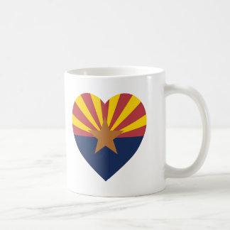 Corazón de la bandera de Arizona Taza