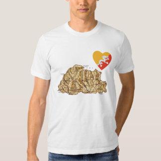 Corazón de la bandera de Bhután y camiseta del Playera