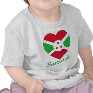 Corazón de la bandera de Burundi Camiseta