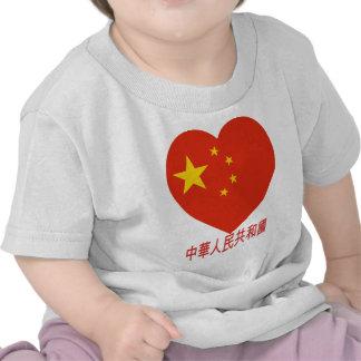 Corazón de la bandera de China Camiseta