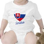Corazón de la bandera de Eslovaquia Camisetas