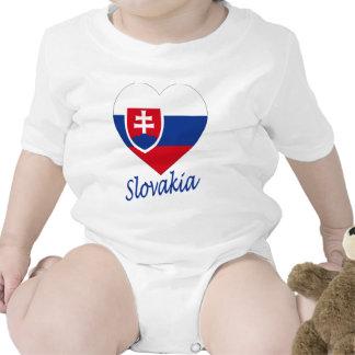 Corazón de la bandera de Eslovaquia Traje De Bebé