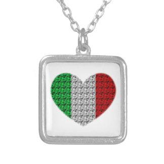 Corazón de la bandera de Italia Collar Plateado