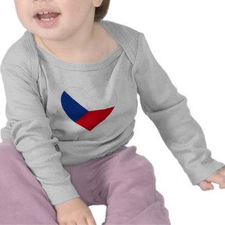 Corazón de la bandera de la República Checa Camiseta