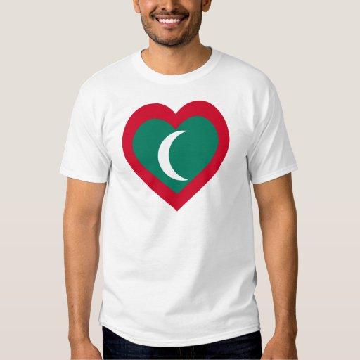 Corazón de la bandera de las islas maldivas polera