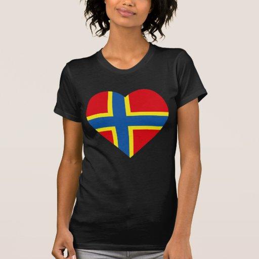 Corazón de la bandera de las Orcadas Camiseta