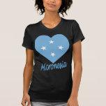 Corazón de la bandera de Micronesia Camiseta